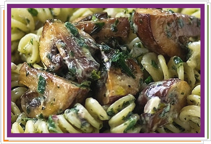 Těstoviny s houbami a bylinkami